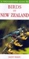 Moon : A Photographic Guide to the Birds of New Zealand :